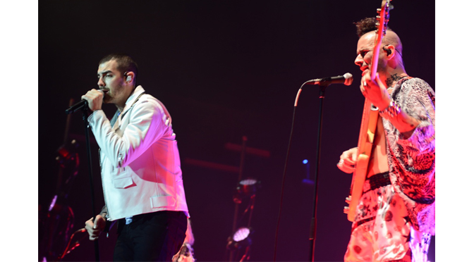 DNCE BRINGS THE BEATS TO BETHLEHEM
