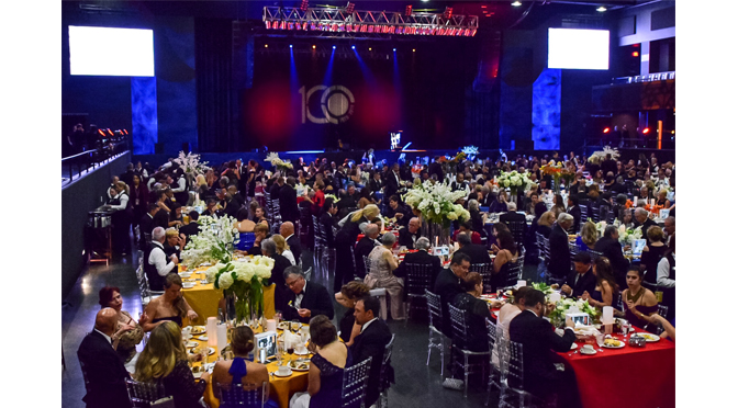 Photos from the United Way of the Greater Lehigh Valley 100th Anniversary Celebration and Performance by Vince Gill – by: Kimberly Kanuck