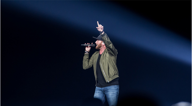 Cole Swindell, Chris Janson, and Lauren Alaina lit up the stage at the PPL Center – Photos by: John DelGrosso