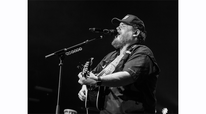 Luke Combs: Don't Tempt Me With A Good Time Tour – Photos by: John DelGrosso