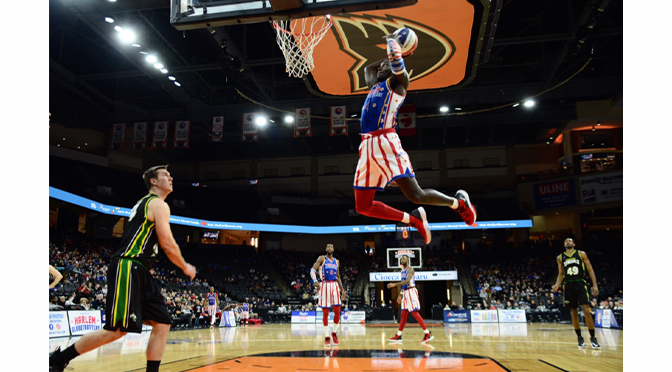THE WORLD-FAMOUS HARLEM GLOBETROTTERS BROUGHT THEIR ONE OF A KIND BASKETBALL SKILLS AND SHOWMANSHIP TO THE PPL CENTER | Story & Photographs by Diane Fleischman
