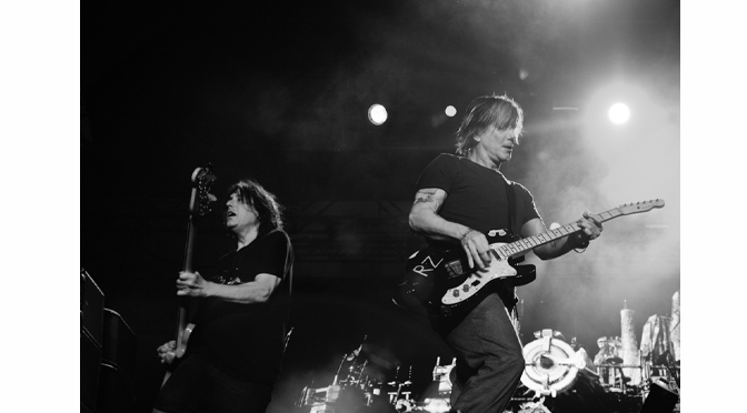 ONE OF THIS SUMMER'S HOTTEST TOURS AT MUSIKFEST: TRAIN / GOO GOO DOLLS|  Review & Photographs by Diane Fleischman